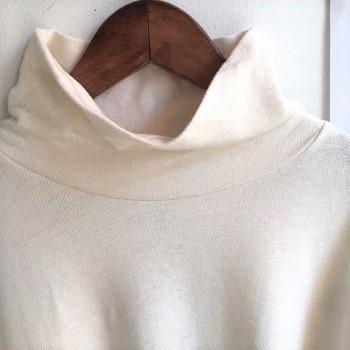 ヘブンリータートルネック長袖Tシャツ ナチュラル